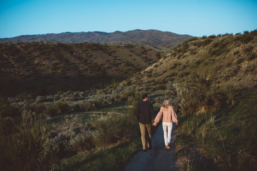 Boise-Foothills-Engagement-Photographer-23.jpg