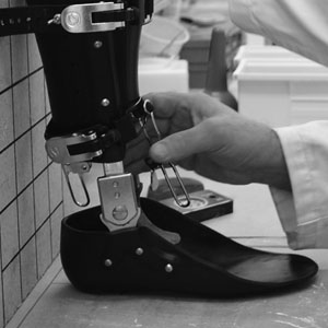 CUSTOM BRACING We provide a comprehensive program of professional orthotic services and care. With our full-service lab, we can produce all types of custom orthotics to meet any patient's functional or specialized needs.