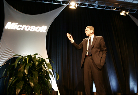 2010_Christensen-onstage3.jpg