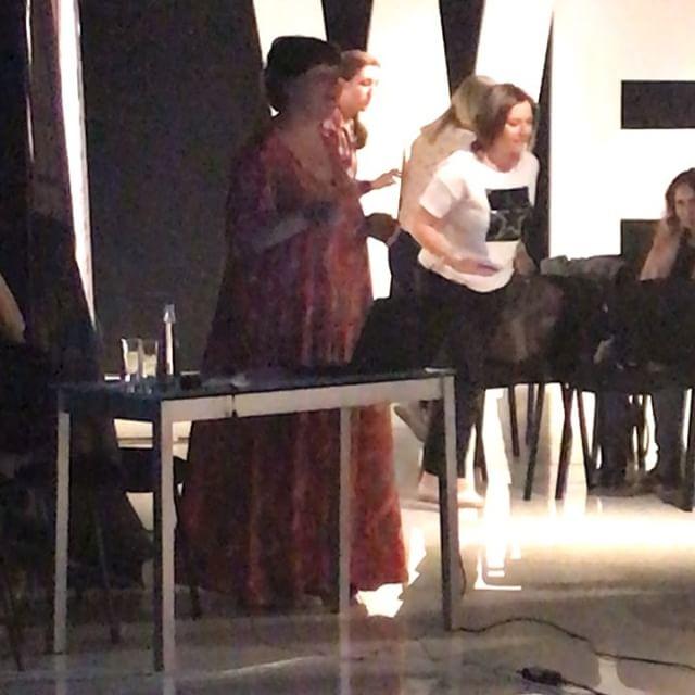 Все очень ждали выступление Ольги Косыревой @olga_kosyreva  о трендах в дизайне🔥🔥🔥 . . . #dcwest #interiordesign #ростов #форумпрофессионалов2018 #dcwest_события