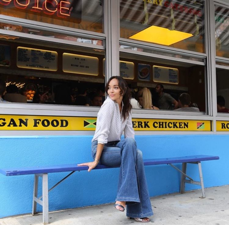 Actress Ashley Madekwe (@smashleybell) crowns  #MissLilys   her go-to restaurant when in   #nyc  ! Be sure to check out her full interview with @thenewpotato   #MelvinsJuiceBox     #Revenge