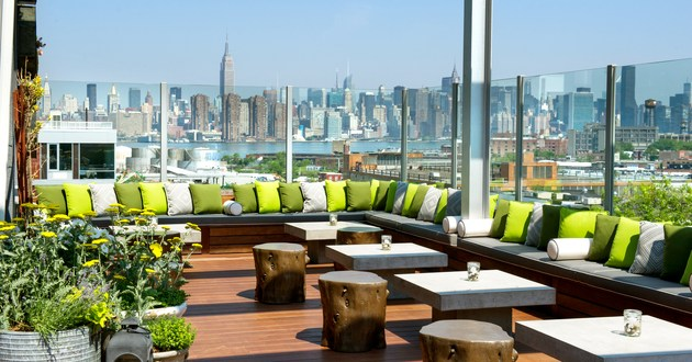 Upper+Elm+Deck+with+View+of+Manhattan+Skyline.jpg