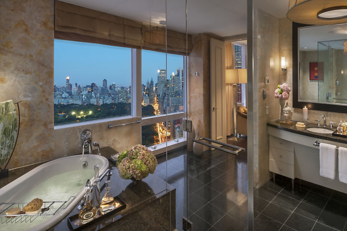 new-york-13-suite-presidential-bathroom-03.jpg