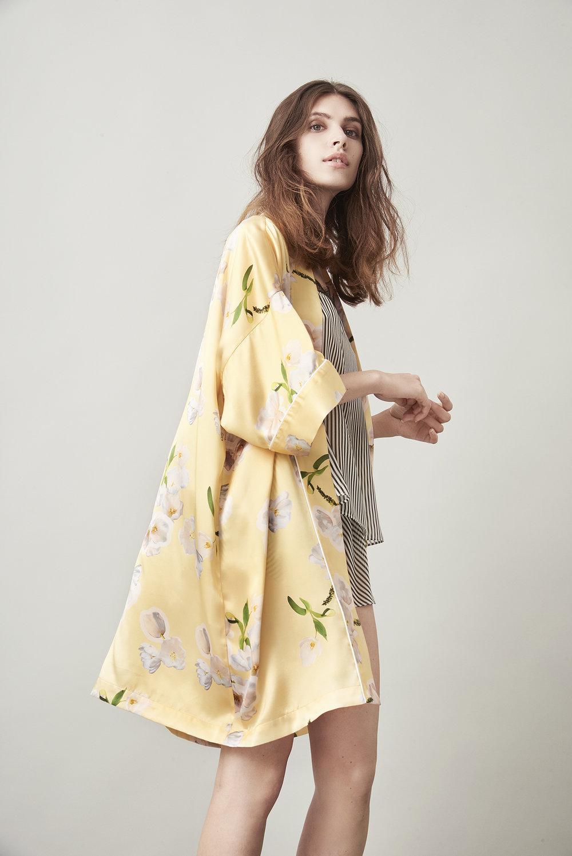 Violet & Wren Vita Collection Kimono in Sundrenched Tulip