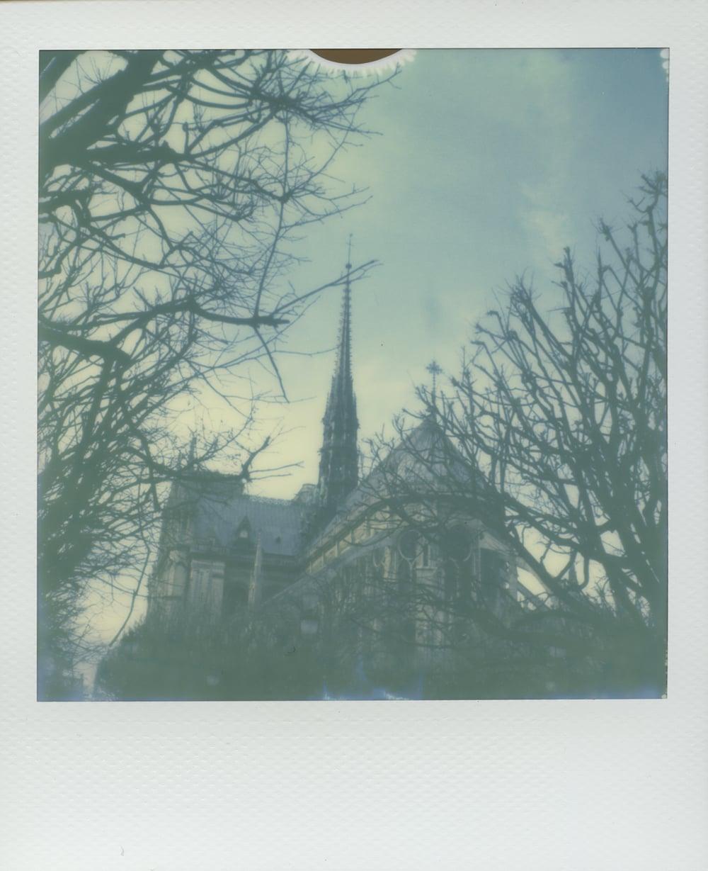 ParisPola2070.jpg