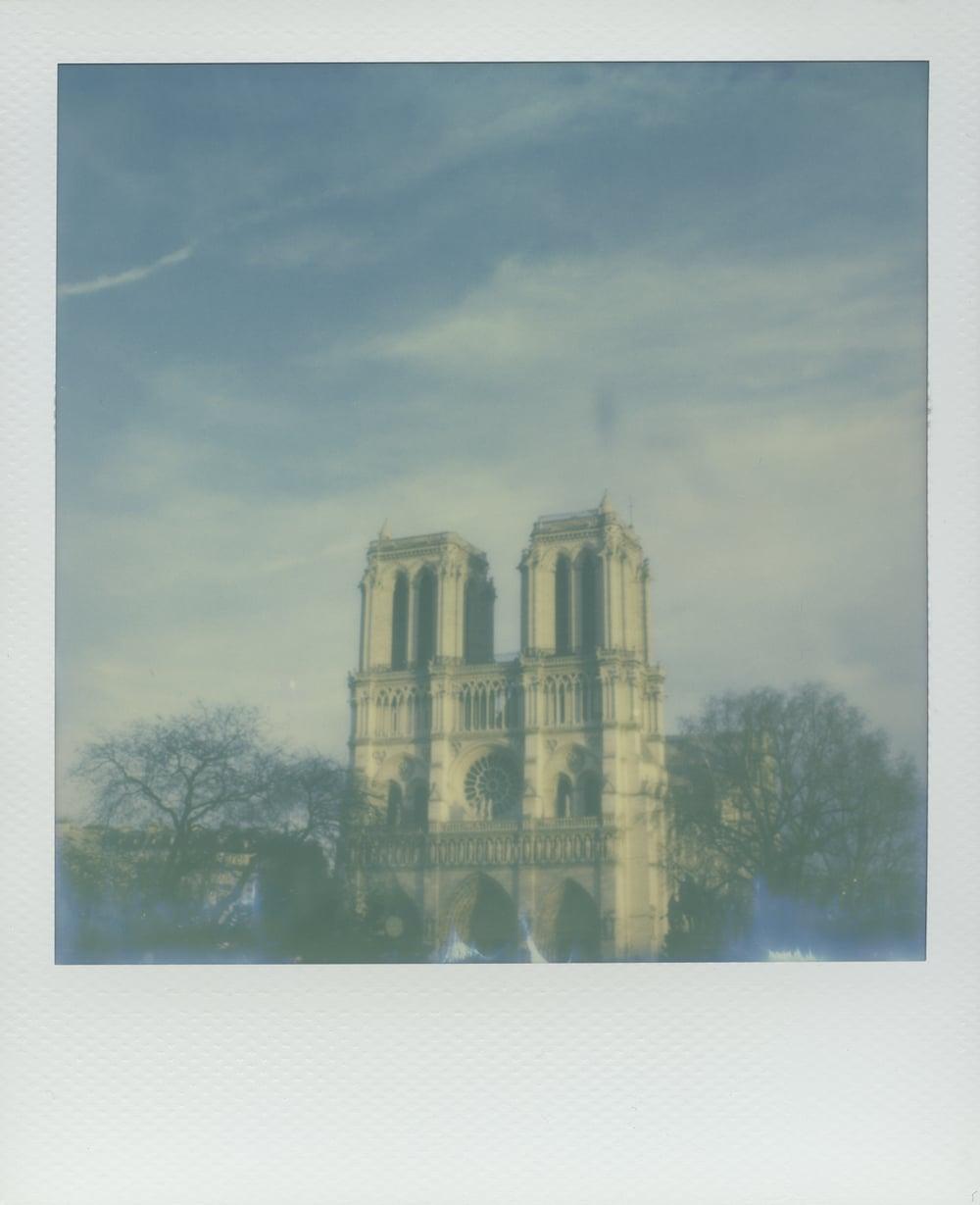 ParisPola2072.jpg