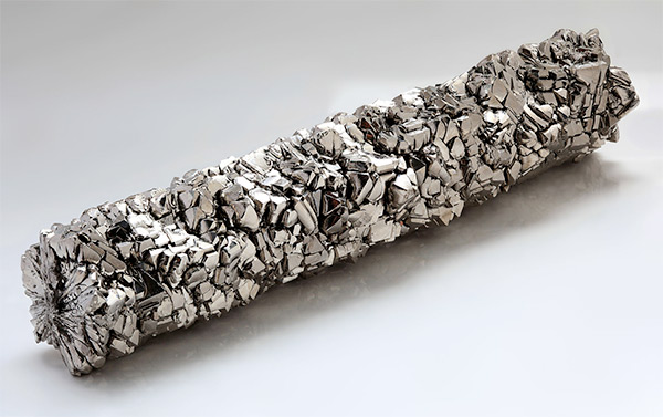 Titanium is winning place among favored materials of avant-garde jewelery