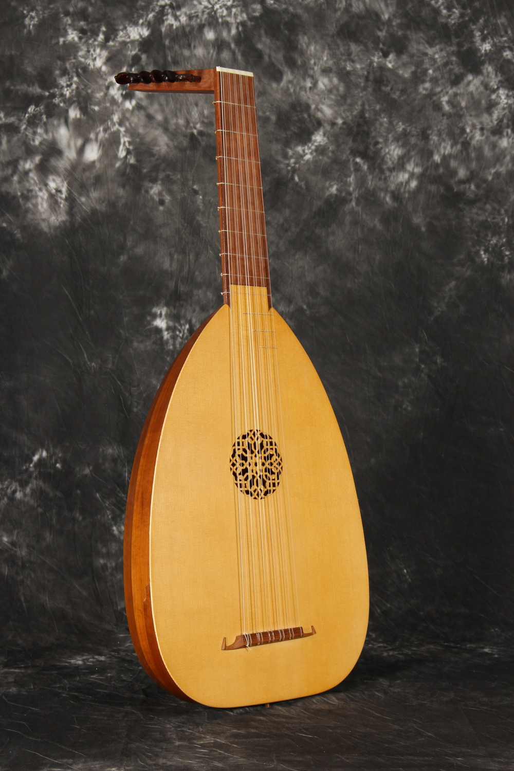 Six course Recercar lute