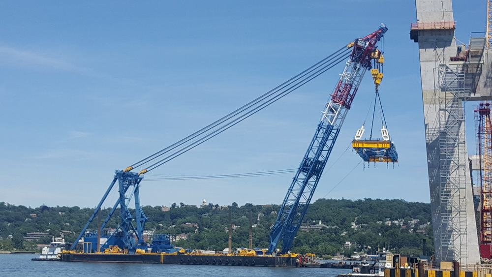 LIFTING THE 350' GIRDER S