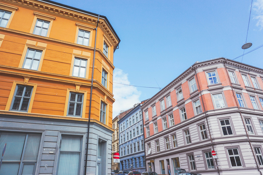 Travel to Oslo-Grünerløkka streets and colorful apartments