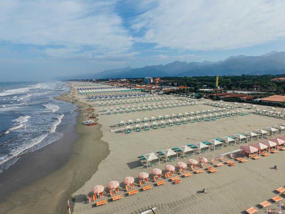 Drone photography in Lido di Camaoire. Beach & ocean shots.