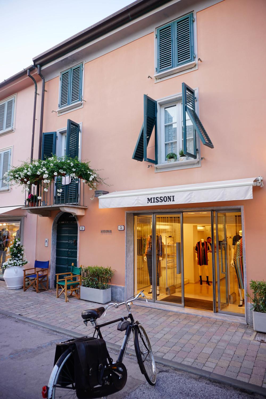 Forte dei Marmi, fashion style. Missoni Store.
