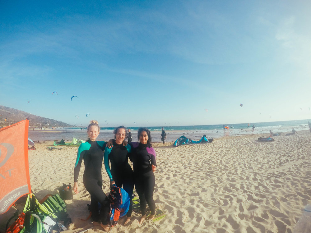Kitesurfing girls! Kitesurfing Tarifa, Spain.