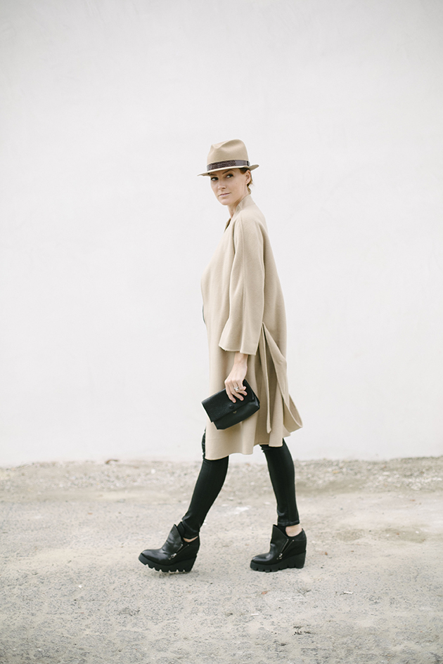 camel-and-black-for-fall-could-i-have-that.jpg