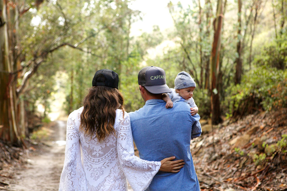 lookbookfamilyportraiteucalyptusforest.jpg