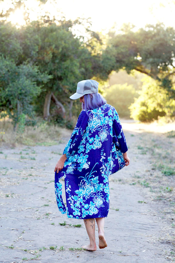 kimonoblue.jpg