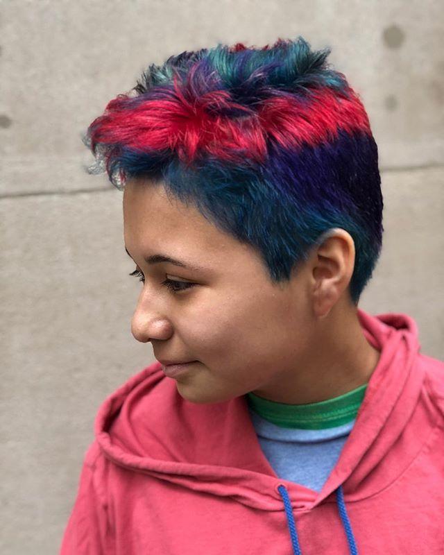 Just look at this little rockstar!!! 👩🏽🎤✨ Hair by Justin Littlefield (@jlitt.hair)
