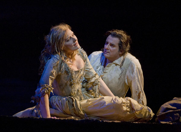 Mattila as Manon Lescaut, Giordani as des Grieux