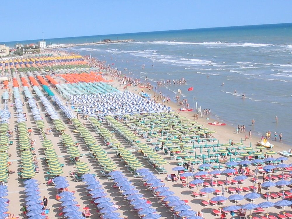 Beach with pay services, Pesaro