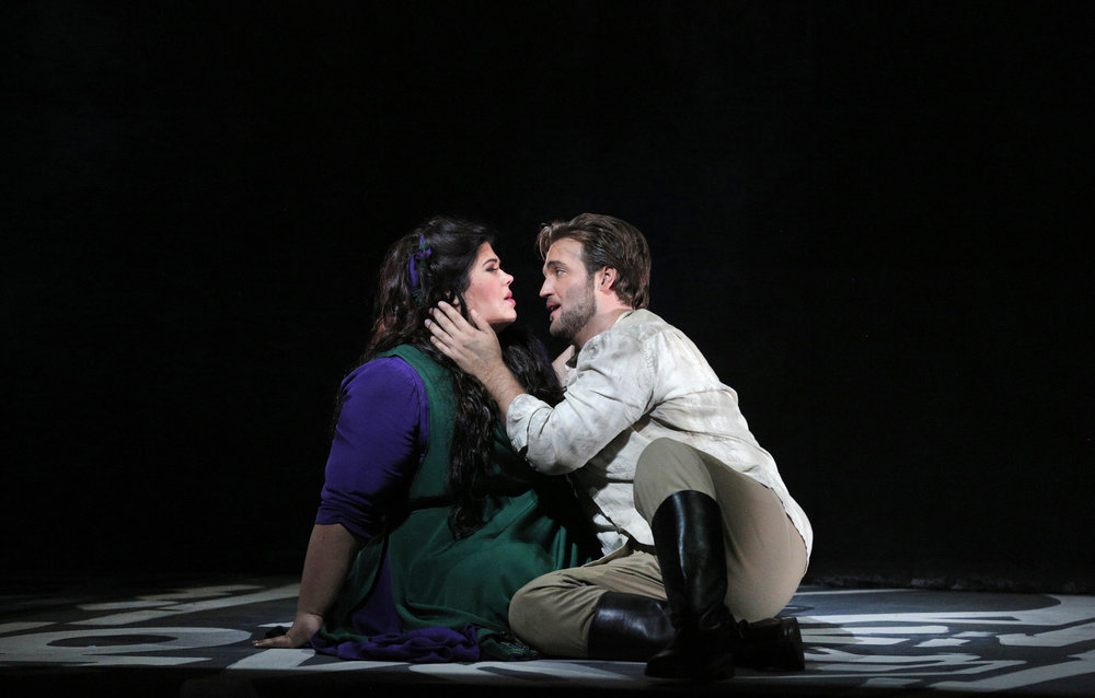 Leah Crocetto as Aida, Brian Jagde as Radames