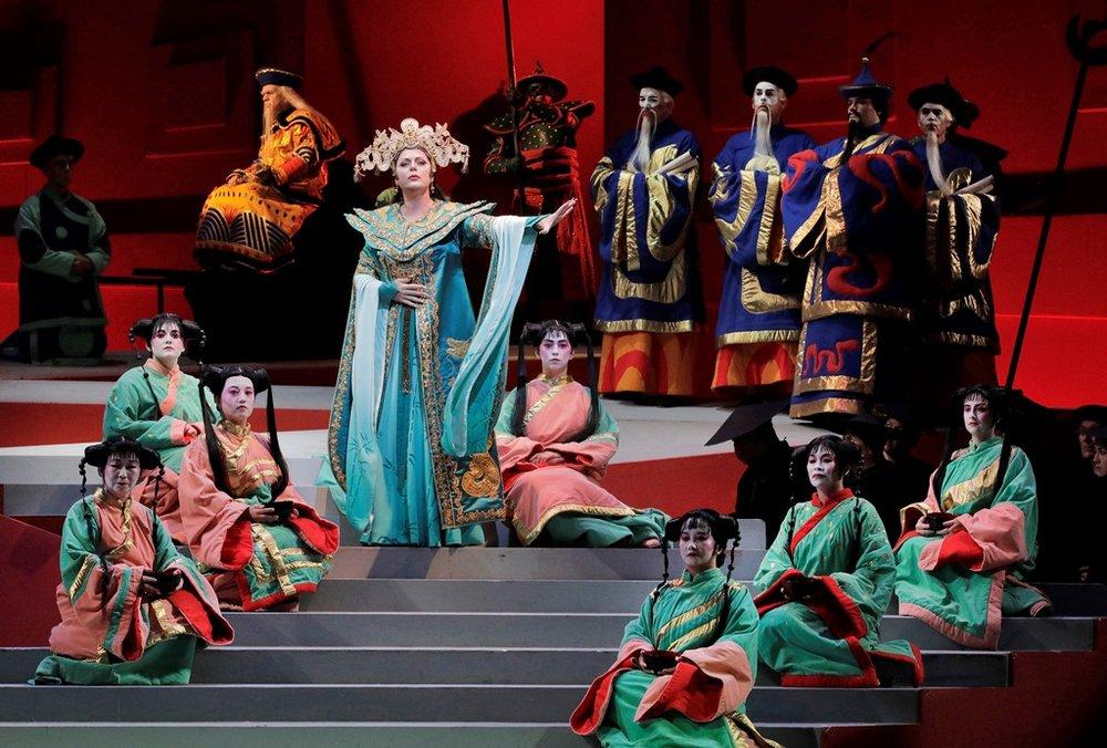 turandot 5 (act 2 scene 2).jpg