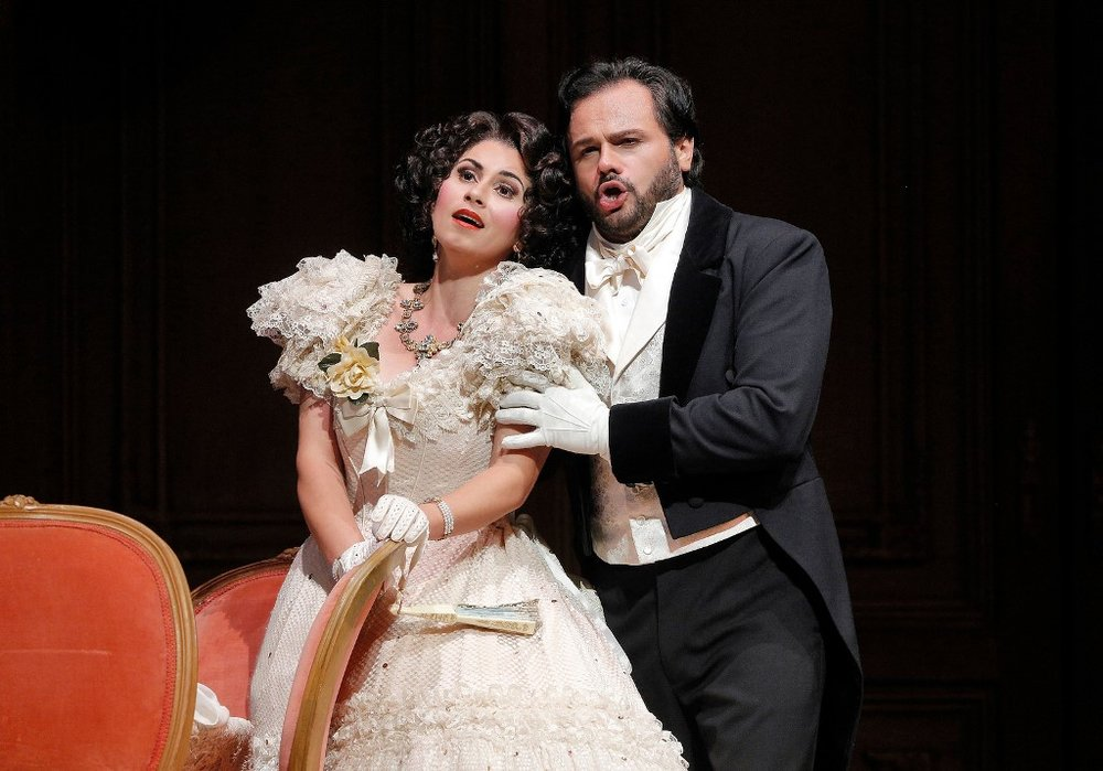 Aurelia Florian as Violetta Valéry and Atalla Ayan as Alfredo Germont