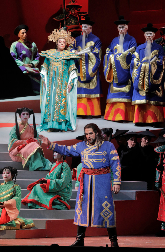 Nina Stemme as Princess Turandot and Brian Jagde as Calaf