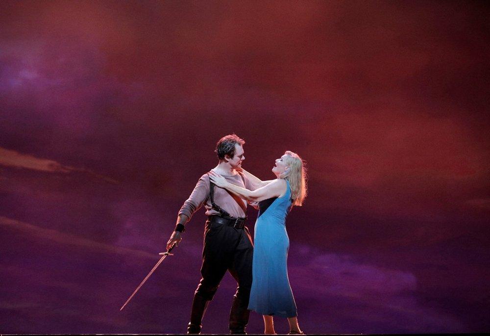 Brandon Jovanovich as Siegmund and Karita Mattila as Sieglinde