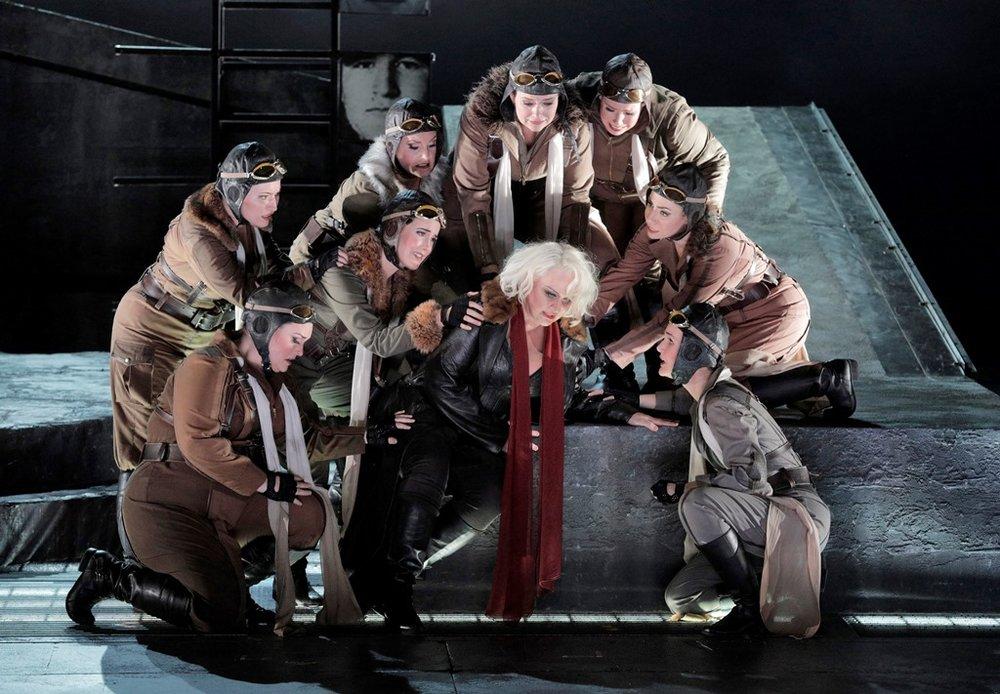 Iréne Theorin as Brünnhilde (center) surrounded by Nicole Birkland (Schwertleite), Renée Tatum (Waltraute), Laura Krumm (Siegrune), Julie Adams (Gerhilde), Melissa Citro (Helmwige), Sarah Cambidge (Ortlinde), Renée Rapier (Grimgerde) and Lauren McNeese (Rossweisse)
