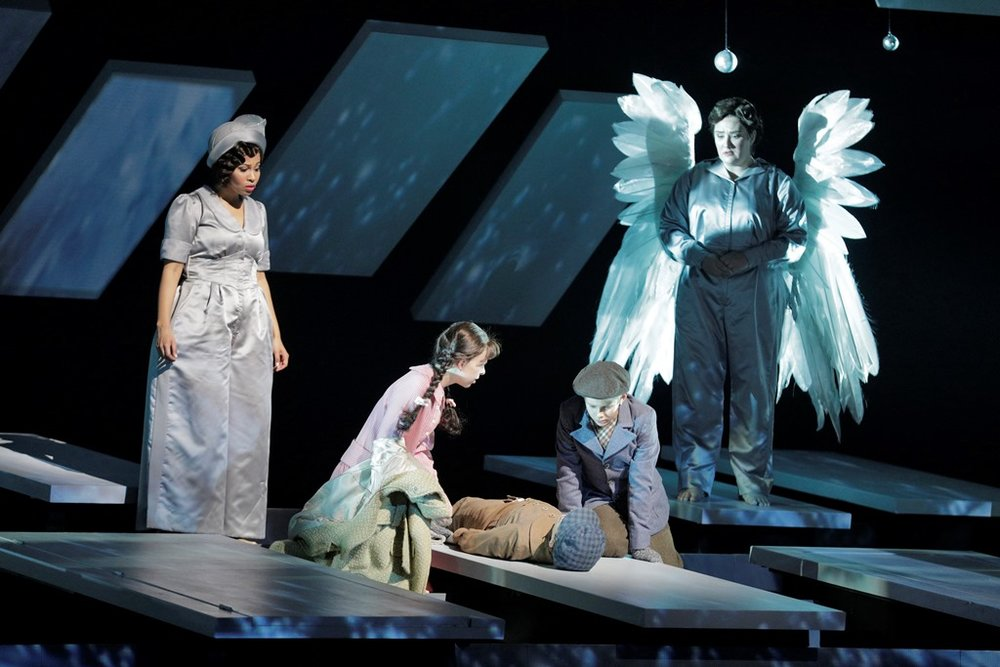 Golda Schultz as Clara, Violet Pasmooij as Young Mary, Pablo Gracia as Young Harry, Benjamin Drever as Young George, and Ashley Dixon as Angel First Class