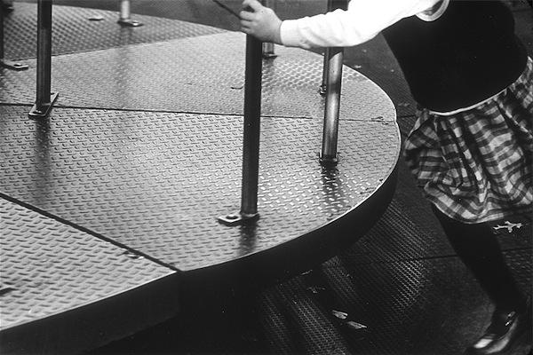 Merry-go-round, 2001