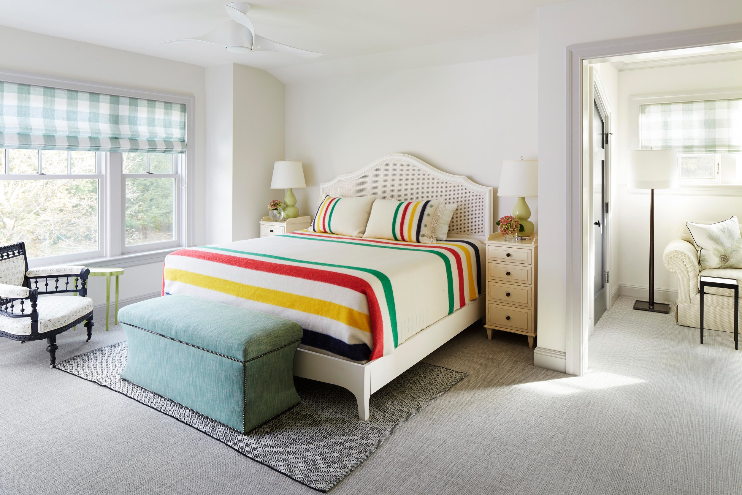 Camp blankets inspired this guest bedroom. Come see more interior design inspiration from Elizabeth Drake. Photo by Werner Straube. #interiordesign #classicdesign #traditionaldecor #housetour #elizabethdrake