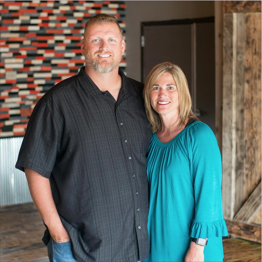Shane & Julie Munn - Lead Pastors