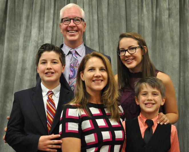 Noah, Brandon, Emily, Abby, and Aaron Smith