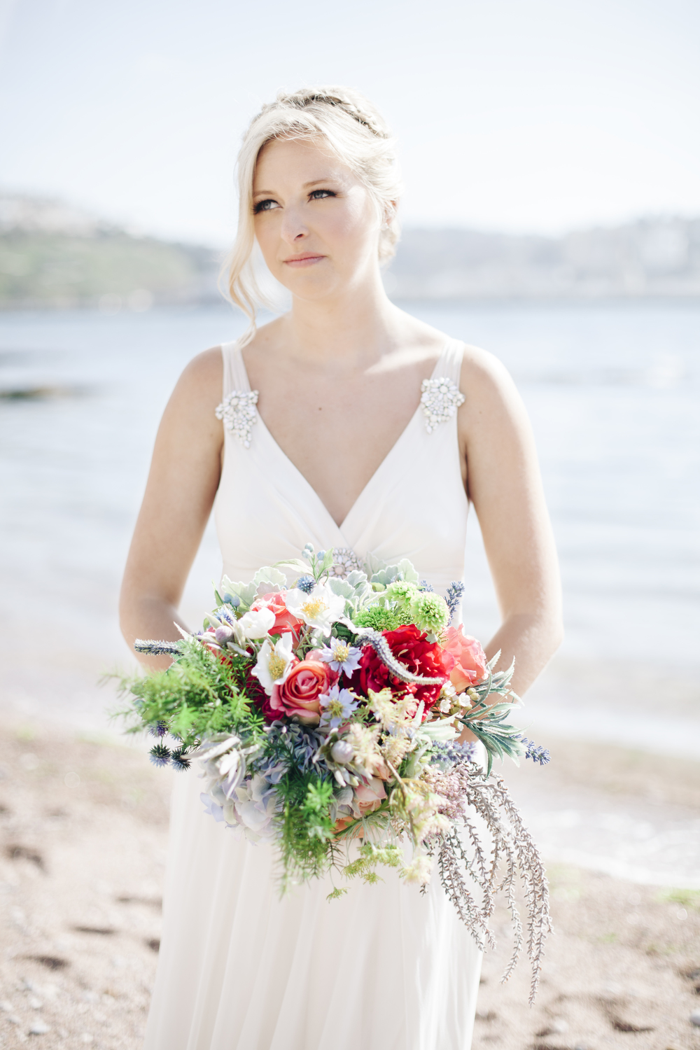 emmabarrow_beachbridal015.jpg
