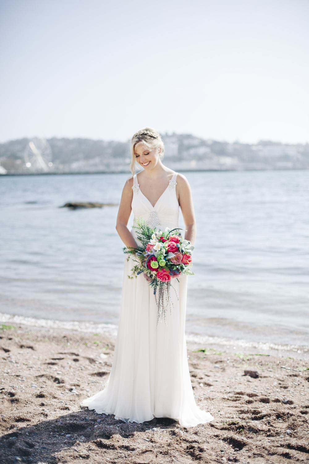 emmabarrow_beachbridal016.jpg