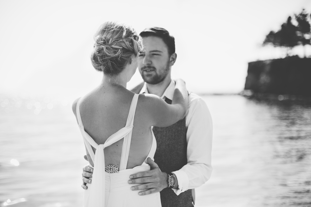 emmabarrow_beachbridal017.jpg