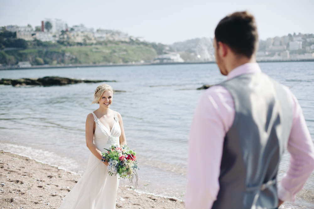 emmabarrow_beachbridal012.jpg