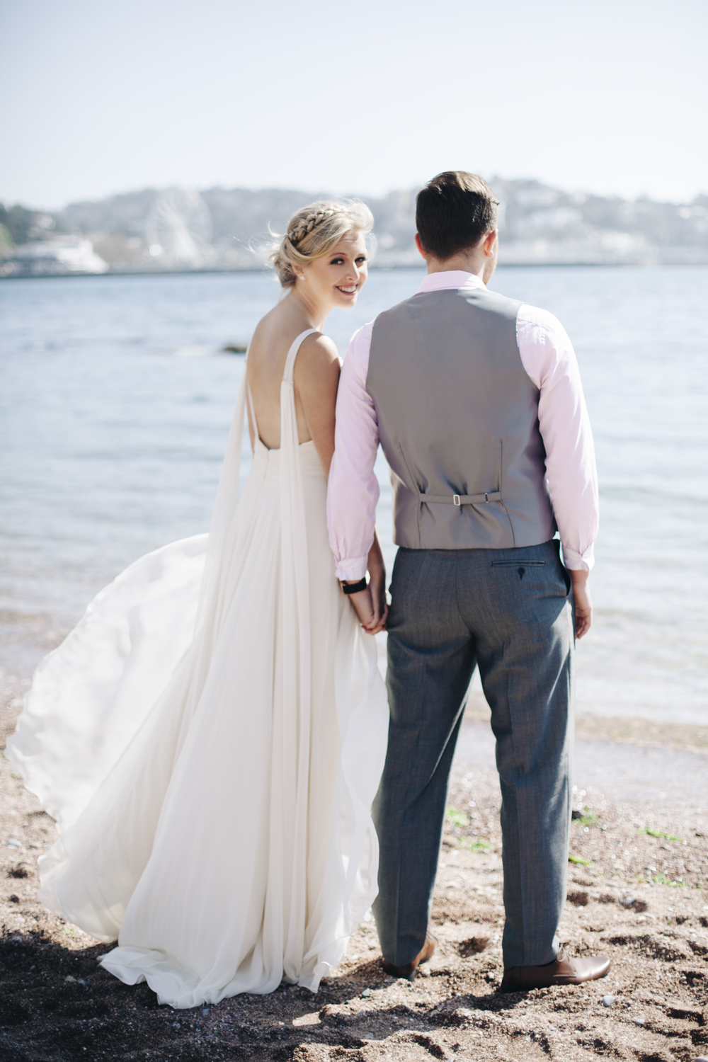 emmabarrow_beachbridal022.jpg