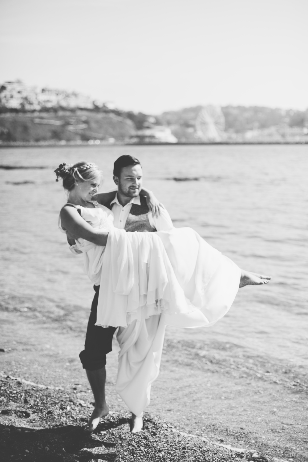 emmabarrow_beachbridal032.jpg