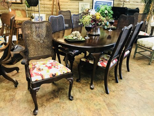 Ethan Allen Dining Set W 8 Chairs And 2 Leaves Finders Keepers