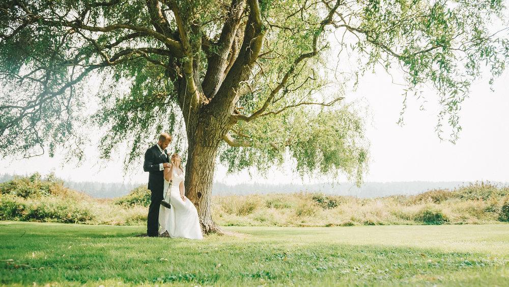 Brittany&Tyler-FireseedCateringWedding-NewlyFilms-8.jpg