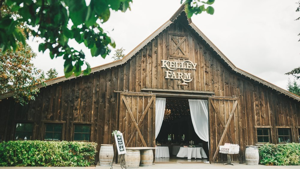 Kaitie&Jordan-TheKelleyFarmWedding-NewlyFilms-16x9-14.jpg