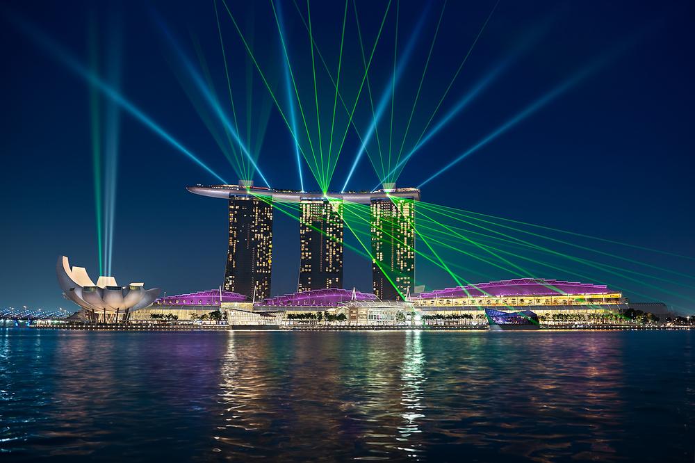 Elia-Locardi-Dance-of-Light-Singapore-1280-sRGB.jpg