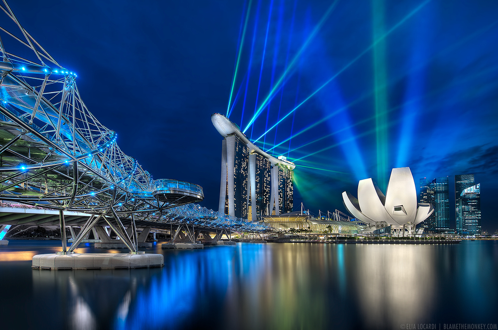 Elia-Locardi-Travel-Photography-Marina-Bay-Sands-and-The-Helix-Bridge-Singapore-1280-WM.jpg