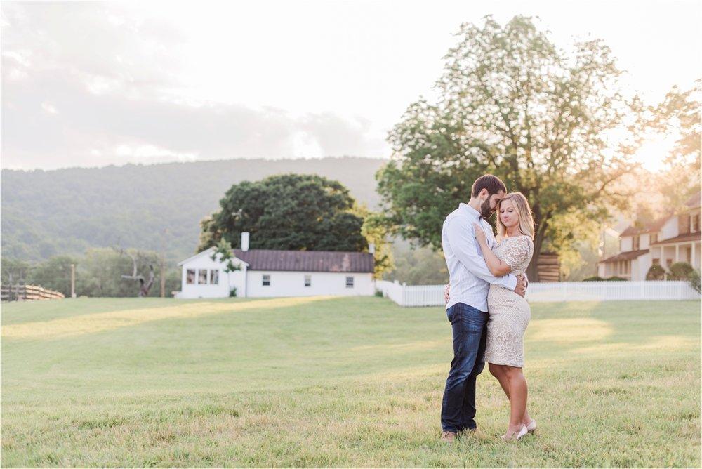 virginia-wedding-photographer-sky-meadows-state-park-engagement-photo_0027.jpg