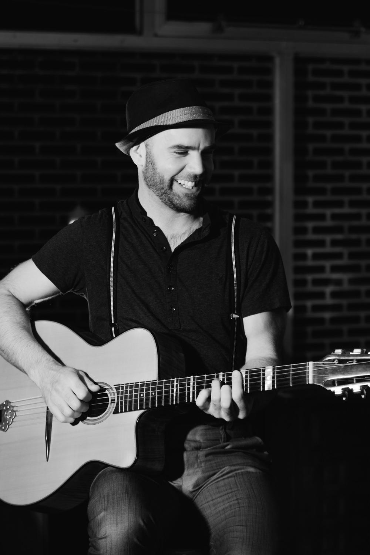 Image Brendan Guitar Maher Gypsy Jazz