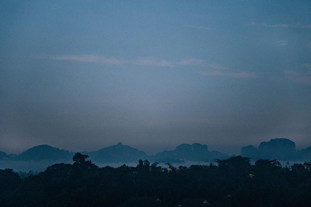Take me back 🇹🇭 . . . . . . #travel #thailand #photooftheday #adventure #nature #explore #lifeofadventure #exploreeverything #liveauthentic #getoutside #thegreatoutdoors #traveling #landscape #globetrotter #livelife #hiking #trekking #mountains #tourtheplanet #optoutside #travelingourplanet #exploringtheglobe #createexplore #ocean #sea #thai #landscape_lovers #goexplore #discoverearth #exploremore