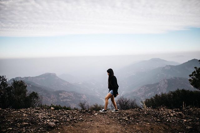 Walking in the clouds ☁️ . . . . . . . #travel #california #adventure #nature #explore #lifeofadventure #exploreeverything #liveauthentic #getoutside #thegreatoutdoors #landscape #globetrotter #livelife #hiking #losangeles #cali #tourtheplanet #optoutside #travelingourplanet #exploringtheglobe #createexplore #la #canon #socal #welivetoexplore #exploretocreate #exploremore #visitcalifornia #californiaadventure #californialove