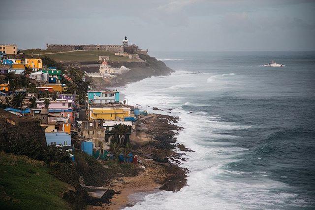 Colorful coastlines 🇵🇷 . . . . . . . #puertorico #travel #adventure #nature #explore #lifeofadventure #exploreeverything #liveauthentic #getoutside #thegreatoutdoors #landscape #globetrotter #livelife #hiking #tourtheplanet #optoutside #travelingourplanet #exploringtheglobe #createexplore #canon #welivetoexplore #exploretocreate #exploremore #puertorican #puertoricogram #prgram #beach #island #tbt #fortaleza
